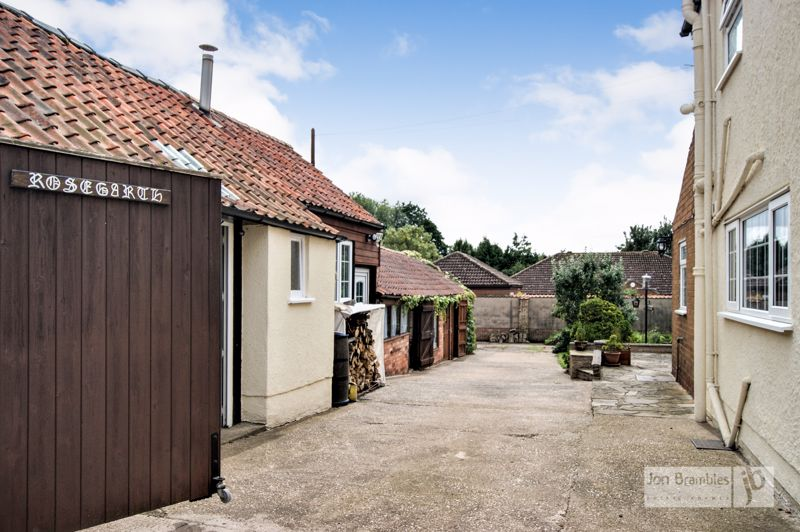 Mill Lane Caunton