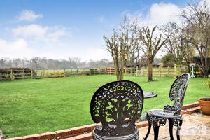 15 Parklands Close Coddington