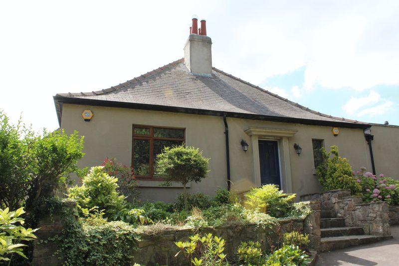 Blue House Bungalow Hett Hills