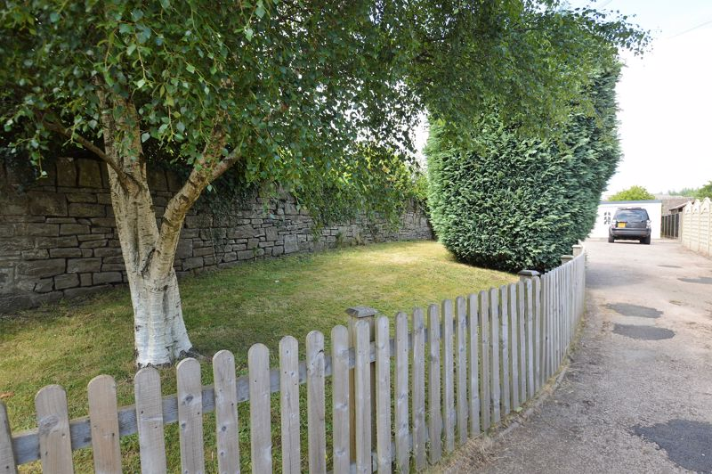 Hillcrest Lane Broadwell