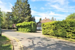Roundwood Avenue Hutton