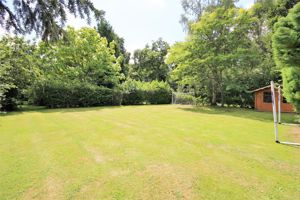 35 Ridgeway Hutton