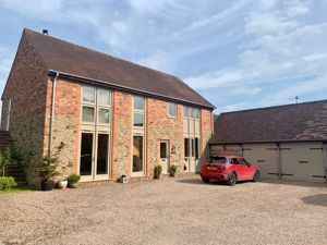 2 Town House Court Madley