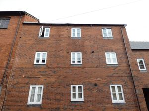 6 Little Hereford Street