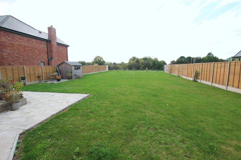Holywell Gutter Lane
