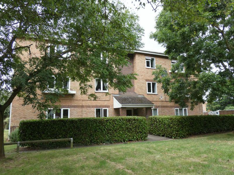 Newbury Court Bobblestock