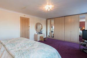 Master bedroom aspect B