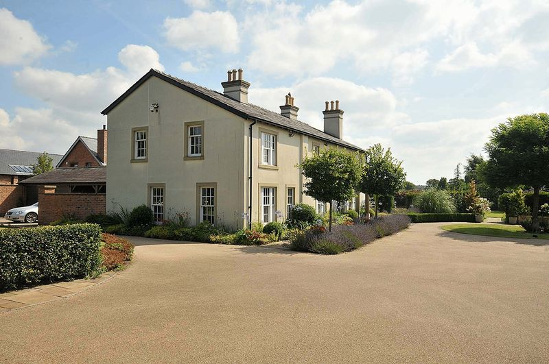Golborne Lane