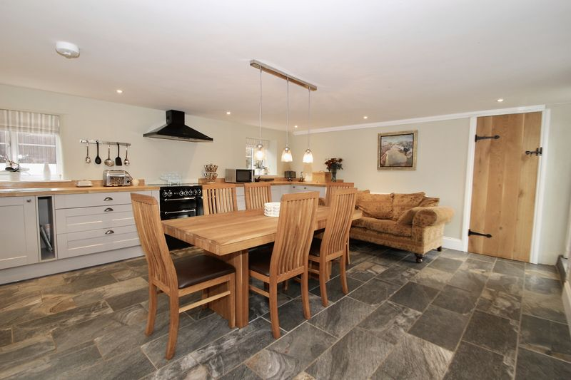 Kitchen/dining room 3