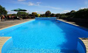 A super pool
