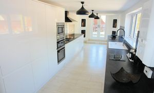 Superb fully fitted kitchen