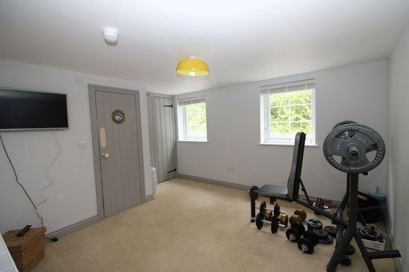 Ground floor bedroom with en-suite