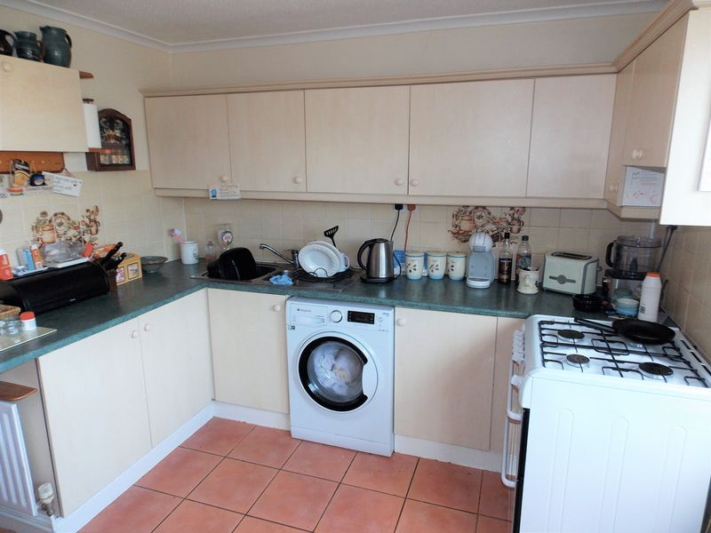 Rushetts Close