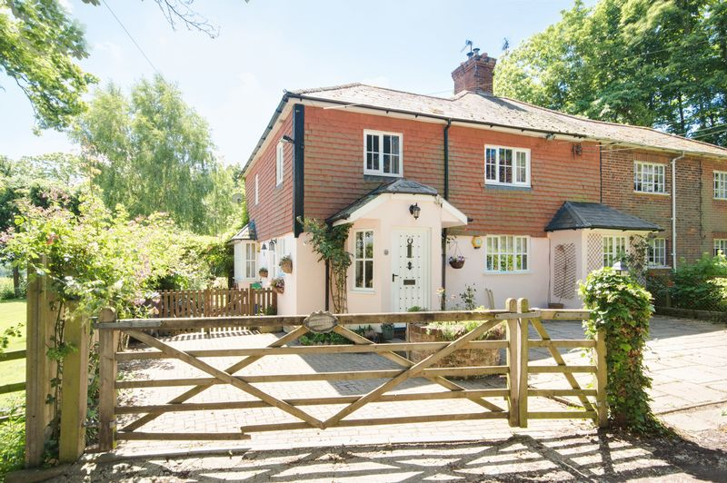 2 Oakleigh Lane Bekesbourne