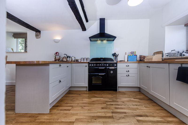 Cottage - Dining Kitchen
