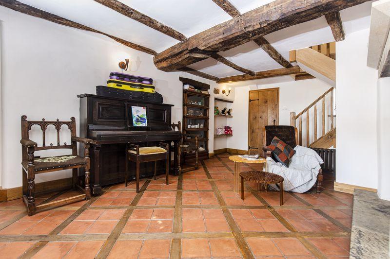 Farmhouse - Entrance Hall / Snug
