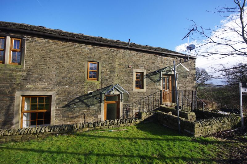 15 Stainland Road