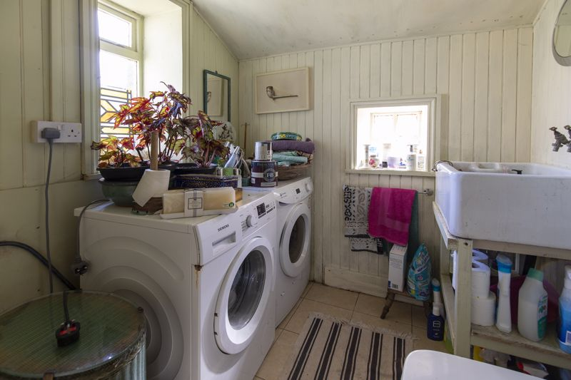 Utility & Cloakroom