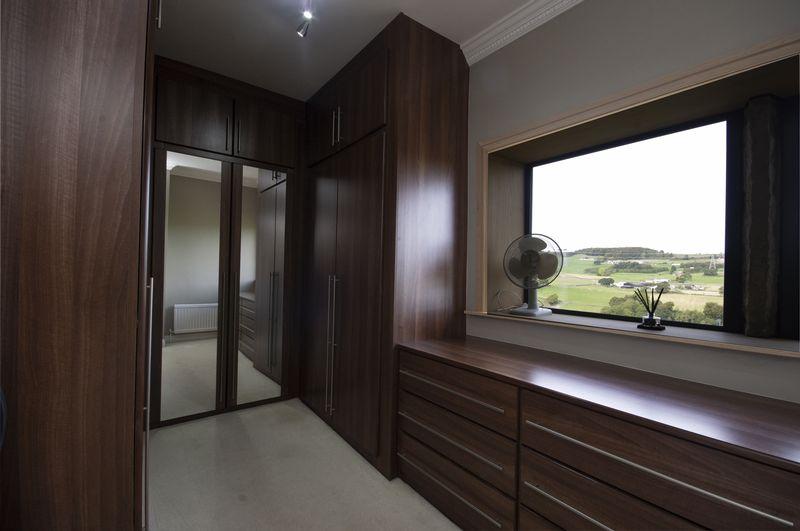 Dressing Room/Bedroom 3