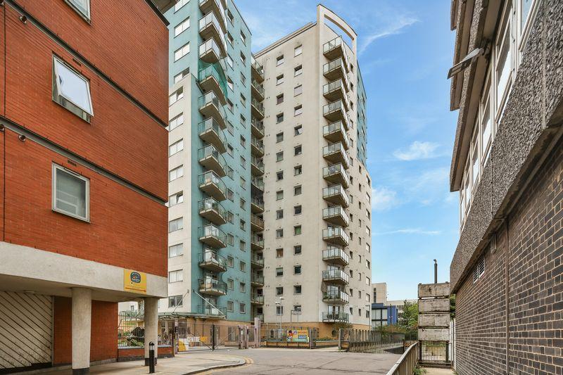 Centreway Apartments, Axon Place
