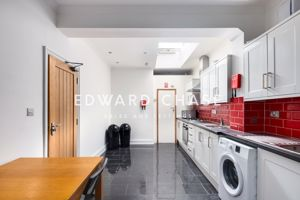 Connaught Road (Room 8) (DY)