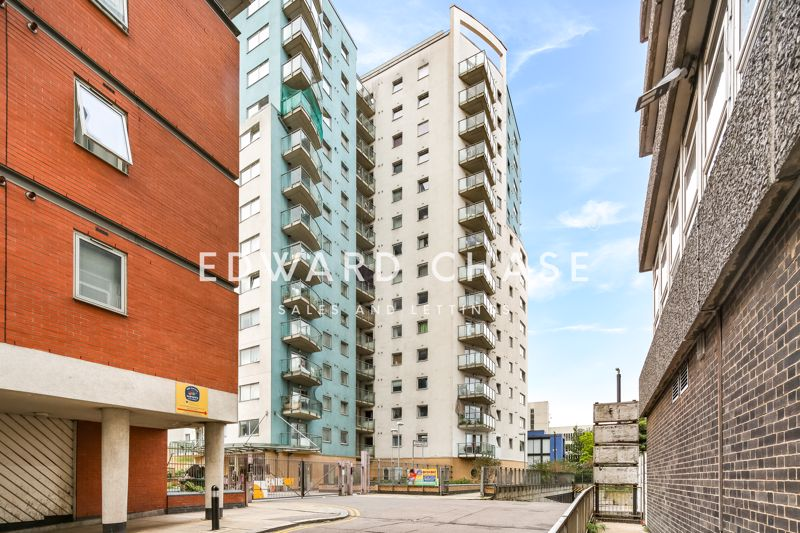 Centreway Apartments Axon Place