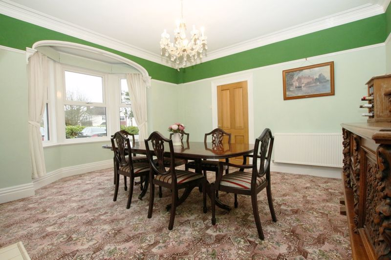 Bay Fronted Dining Room