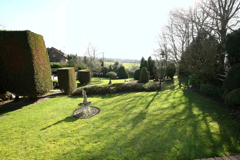 Rear Garden & Views