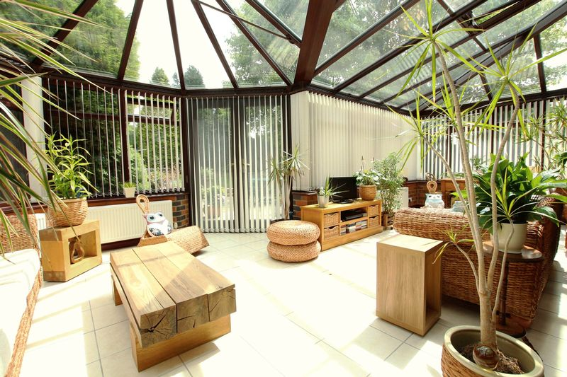 'L' Shaped Conservatory