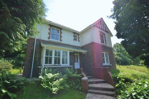 School Lane Govilon