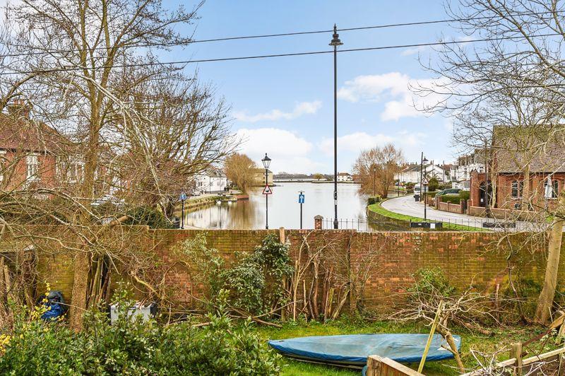 Westgrove Gardens