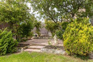 Laurel Gardens