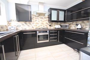 39 Castlemain Avenue Southbourne