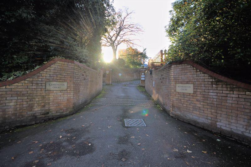 Knyveton Road