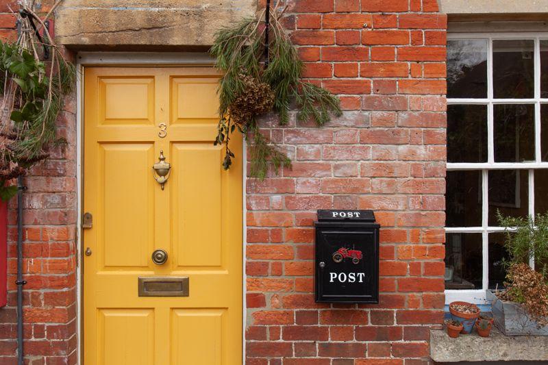 Crown Place Potterne