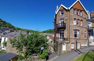 Castle Hill Lynton