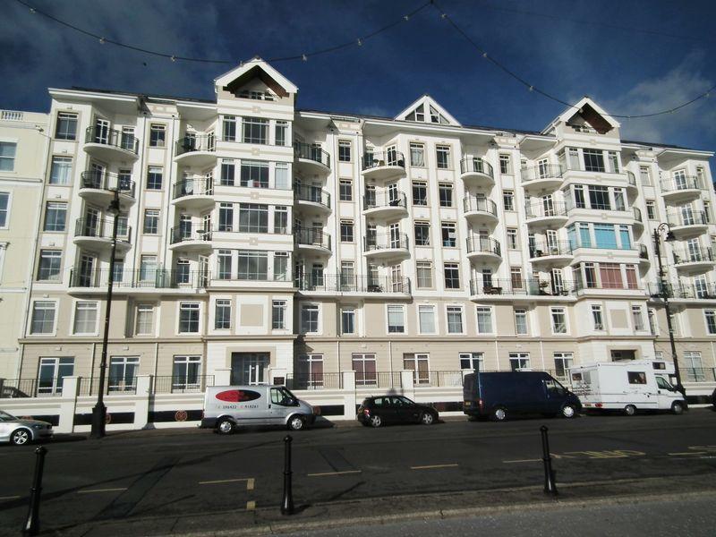 Queens Apartments, Palace Terrace Queens Promenade
