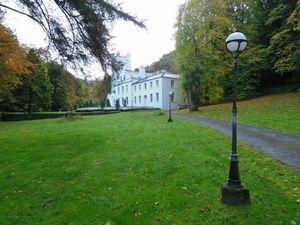 Ravensdale Castle, Glen Road