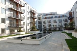 99 Spectrum Apartments Central Promenade