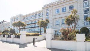 Apartment 20 Spectrum Apartments, Central Promenade