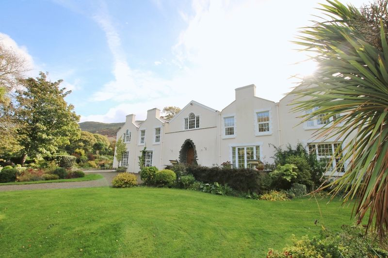 Cronkould Manor with 12 acres, Main Road