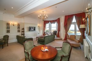 The Speaker's Suite at Sefton Hotel, Harris Promenade