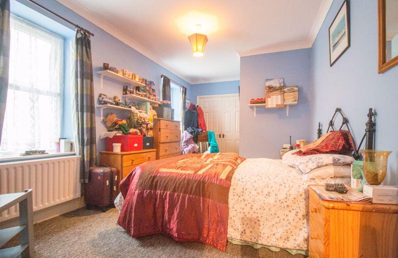 Flat 3, 8 Oakwood Apartments