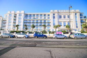 Spectrum Apartments, Central Promenade