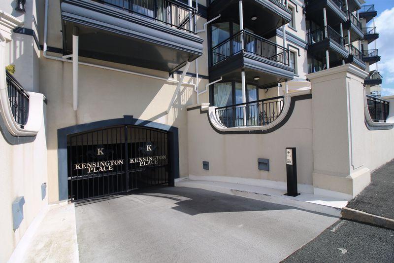 27 Kensington Place