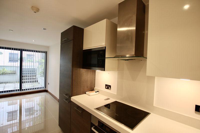 25 Quay West Apartment