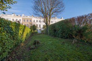 4 Osborne Terrace