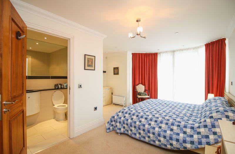 Apartment 33 Kensington Place