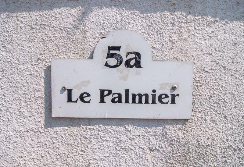 Le Palmier, 5 Eyremont Terrace