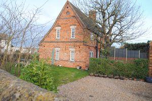 School Hill Irchester